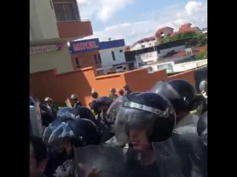 VIDEO | Dispersan con lacrimógenas marcha de la MUD en Táchira