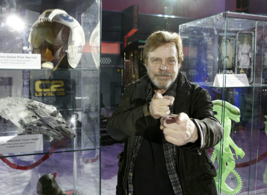 """Mark Hamill asegura que le gustaba """"hacer reir"""" a Carrie Fisher"""