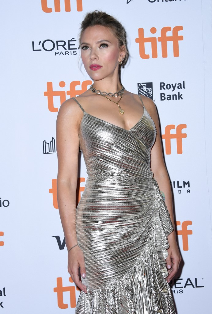 TIFF: Scarlett Johansson on the red carpet for 'Jojo Rabbit'
