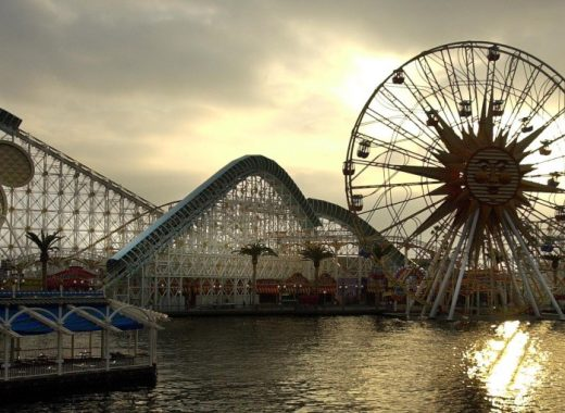 Disney cierra sus parques en California, Florida y París
